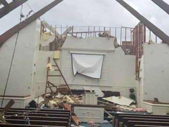 """Em meio a tornado, 40 crianças cantam """"Jesus me ama"""""""