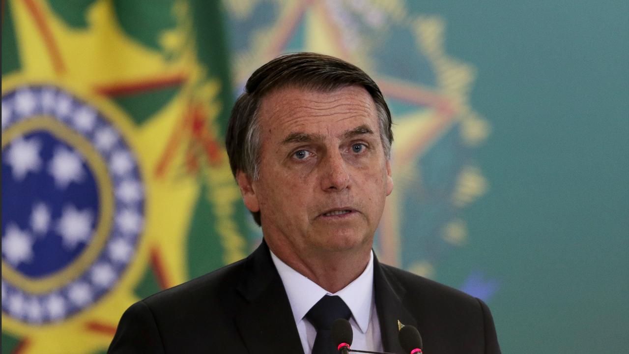 Bolsonaro volta atrás e revoga suspensão de contrato de trabalho por 4 meses