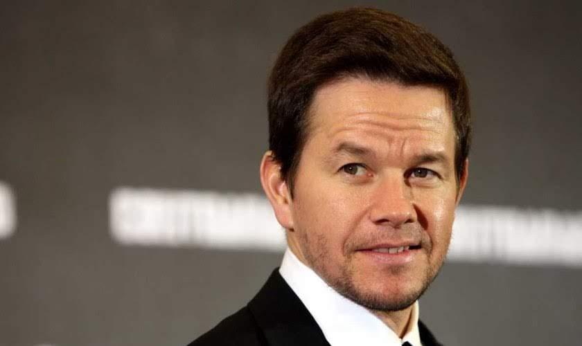 Ator americano Mark Wahlberg revela que compartilha sua fé com colegas de Hollywood