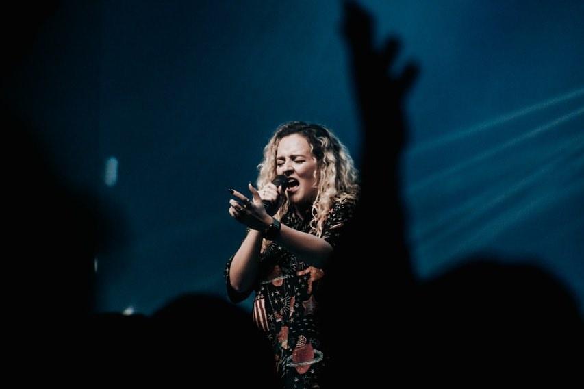Novo álbum de Gabi Sampaio terá Central 3, Rapha Gonçalves e André Aquino