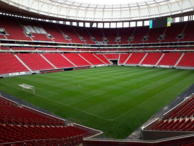 Clubes e empresas cedem estádios de futebol para combater o coronavírus