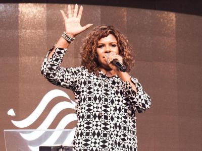 """""""Se renda ao fogo logo de uma vez, dói menos!"""", diz Nívea Soares sobre a volta de Jesus"""